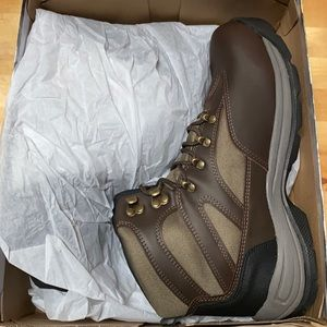 New in box men's hikers boots size 12 Ozark Trail